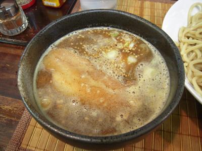 つけ麺大盛り つけ汁 えん.jpg