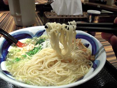 とりそば(塩味) 麺 大喜庵.jpg