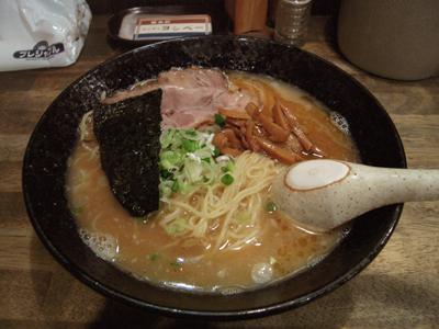 ヨシベーラーメン醤油.jpg