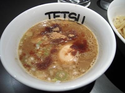 味玉つけめん 大盛り つけ汁 TETSU高円寺.jpg