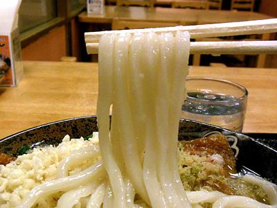 きつねうどん(中)+天ぷら うどん はなまる秋葉原南.jpg
