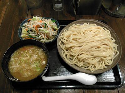 たっぷり野菜つけ麺(大・冷) 三ツ矢堂辻堂.jpg