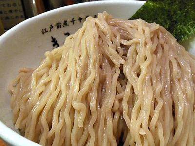 つけ麺(特盛り) 麺 きみはん根岸.jpg