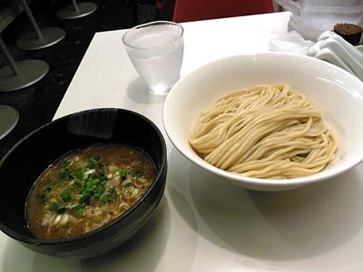 つけ麺(醤油)中盛り ほん田東京駅.jpg