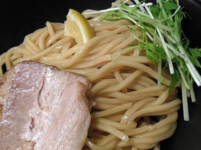 アラビアータ(中辛・中盛り) 麺 KINGKONG.jpg