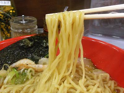 シロエビ塩らーめん 麺 いろは海老名.jpg