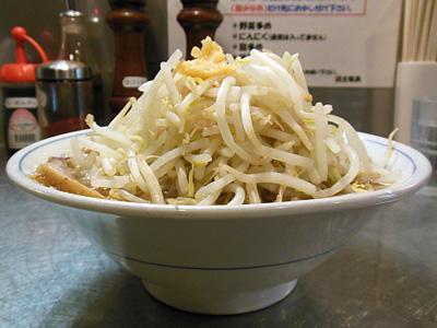 ラーメン小(野菜多め・にんにく) 横 大本郷.jpg