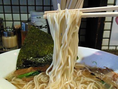 中華そば(正油) 麺 ジャンジャン軒.jpg
