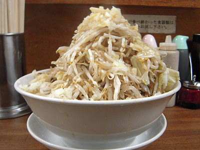 味噌ラーメン(野菜マシ) 横 麺徳東上野.jpg