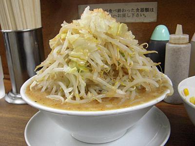 味噌ラーメン(野菜マシ)+コーン 横 麺徳東上野.jpg
