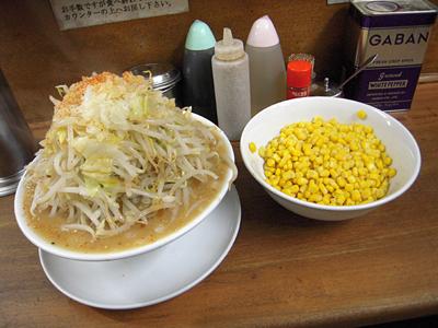 味噌ラーメン(野菜マシ)+コーン 麺徳東上野.jpg