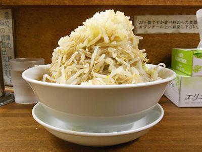 味噌ラーメン(野菜大盛り) 横 麺徳東上野.jpg
