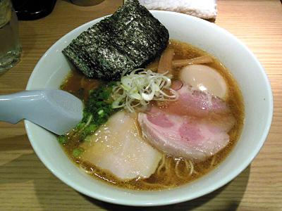 味玉芳醇鶏だしらーめん(醤油) 1/20.jpg