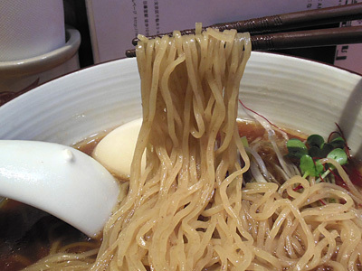 味玉醤油らぁ麺 麺 ひだまり.jpg