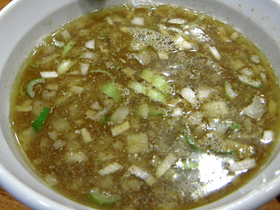 塩つけ麺(大盛り) つけ汁 めいげんそ.jpg