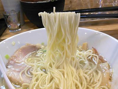 塩中華そば(大盛り) 麺 ともゑ.jpg