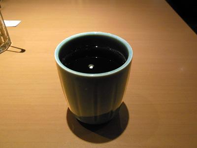 暖かいウーロン茶 やよい軒町屋.jpg