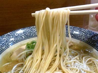 淡麗塩そば 麺 鶴若.jpg