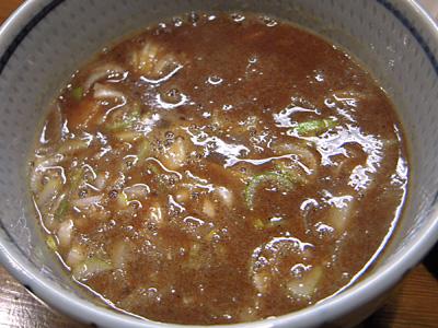 濃厚つけ麺(大盛り) つけ汁 蕃茄.jpg