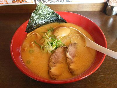 濃厚醤油味玉ラーメン(大盛り) うづまき.jpg