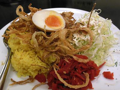 赤い鶏カレー(大盛り) 1 3 10 カレー飲み物秋葉原.jpg