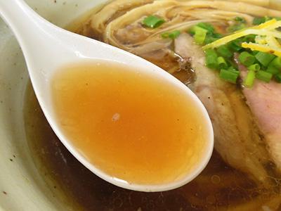 鶏だし醤油らーめん スープ HOME.jpg