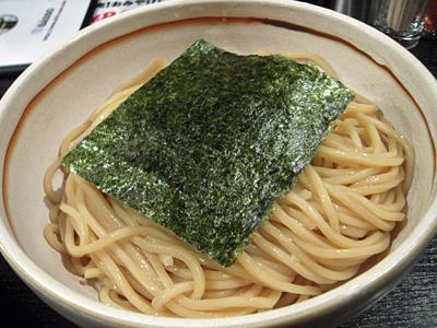 HOT BASSO(並盛り) 麺 ドリルマン.jpg