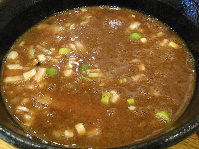 濃厚つけ麺(大盛り) つけ汁 ハモニカ.jpg